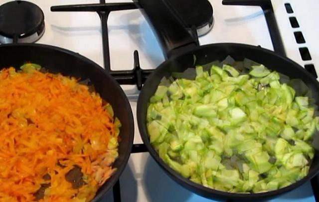 Поджариваем овощи