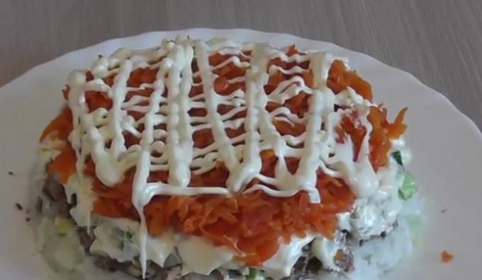 Слой моркови под майонезом