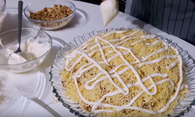 5 слой - сыр и майонез