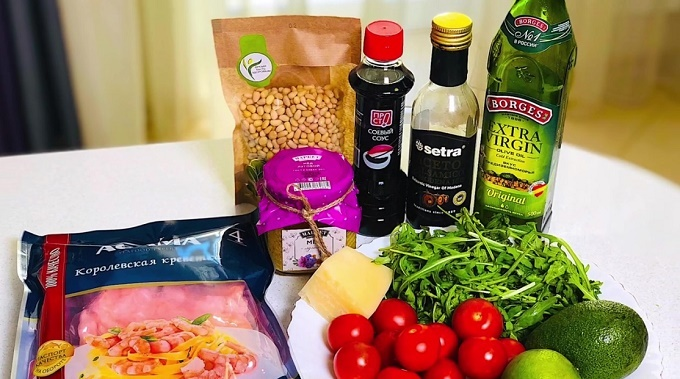 Креветки, руккола, сыр, авокадо