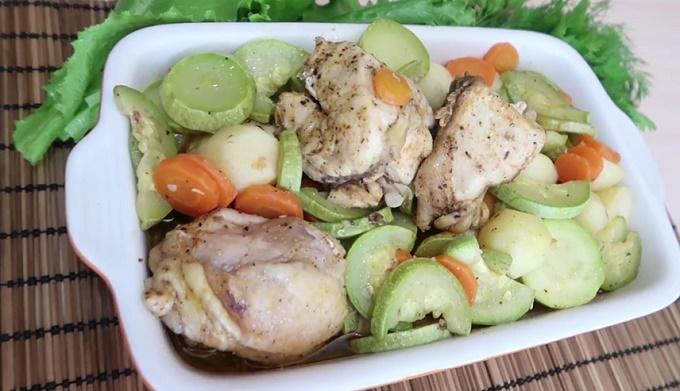 Курочка с овощами в рукаве