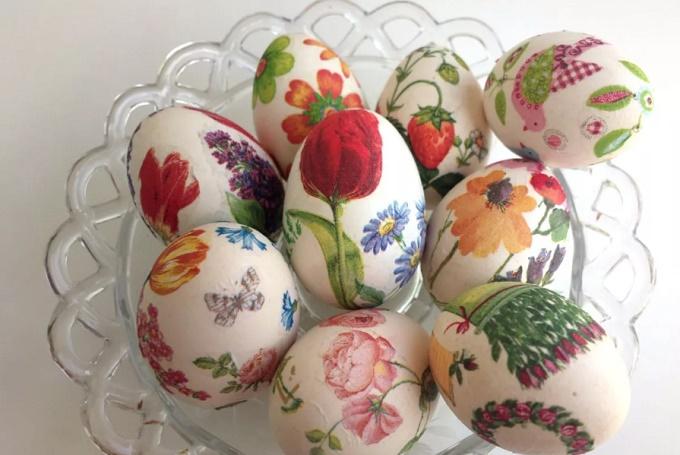 Красим яйца салфетками