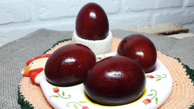 Окраска яиц луковой шелухой