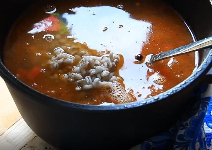 Бросаем в суп перловку