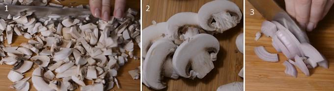 Нарезаем грибы и лук