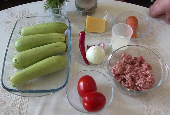 Ингредиенты для кабачков с фаршем и сыром
