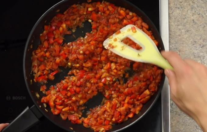 Углубления в овощах для яичницы