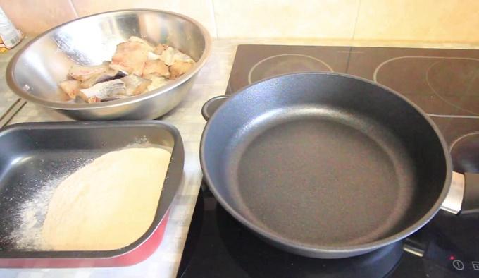Сковородка для жарки минтая