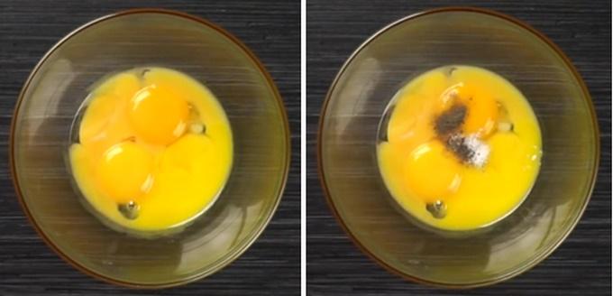 Желтки перчим и солим