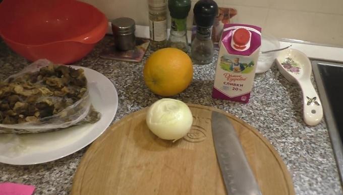 Ингредиенты для рецепта сморчков со сливками