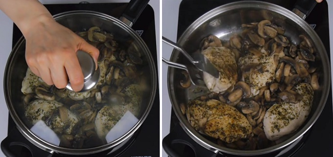 Обжариваем грибы с курицей
