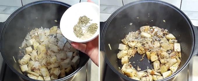 Обжариваем овощи, добавляем специи