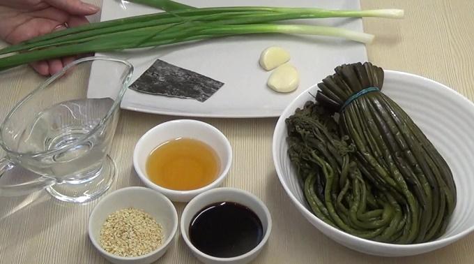 Ингредиенты к папоротнику по-корейски