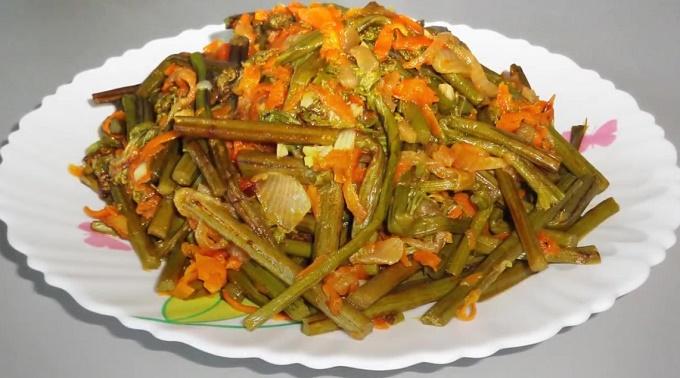 Салат из свежего папоротника орляк