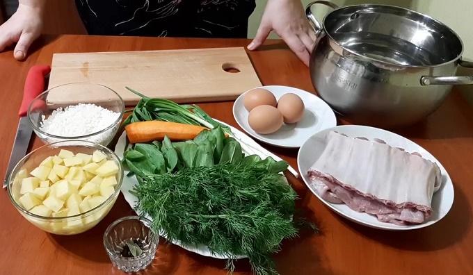 Ингредиенты для супа со щавелем и рисом