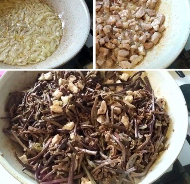 Жарим лук, мясо и папоротник