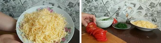 Нарезаем помидоры и натираем сыр