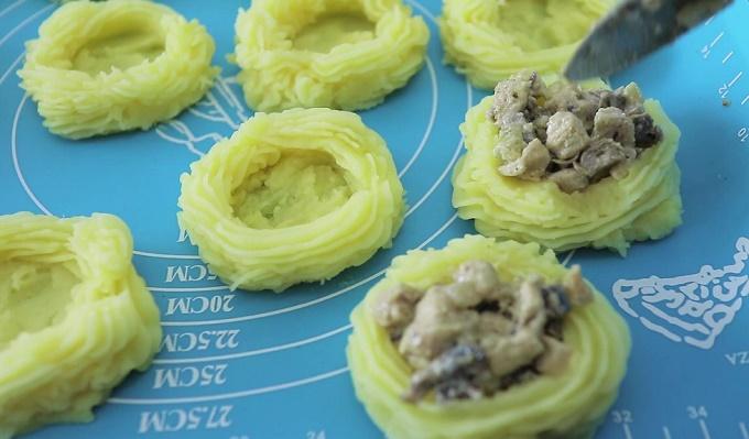 Что приготовить из вчерашнего картофельного пюре. Рецепт быстро, вкусно в духовке. Фото